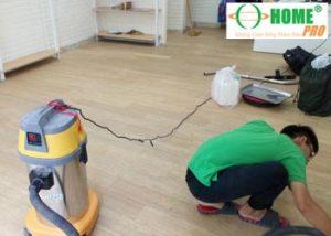 Dịch vụ vệ sinh sàn nhựa Vinyl-homepro