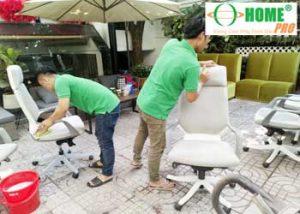Dịch vụ giặt ghế văn phòng tại TPHCM-homepro